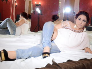 JolieDona - Sexy live show with sex cam on XloveCam