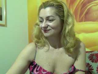 Nichola - Sexy live show with sex cam on XloveCam