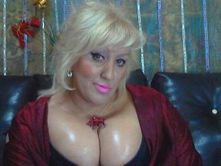 BlondeAnnya - Sexy live show with sex cam on XloveCam