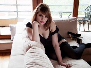 ElennGold - Sexy live show with sex cam on XloveCam