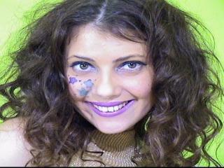 MissAracely girl dancing live