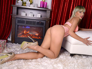 ChloeJohns - Sexy live show with sex cam on XloveCam