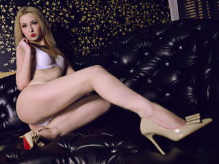 StarHannah - Sexy live show with sex cam on XloveCam