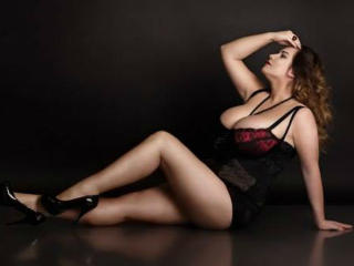 SweetLacrima - Sexy live show with sex cam on XloveCam