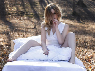BabeSharise - Sexy live show with sex cam on XloveCam
