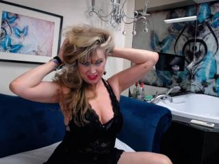 LadyMariahX - Show nude with this average constitution MILF