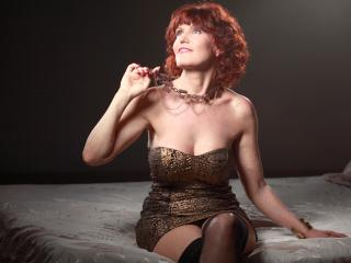 RedHeadMature - Show hot with a standard body MILF