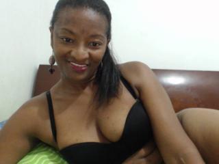 Sexy nude photo of LeylaSexy