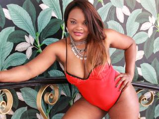 EbonyQueenLatina - Web cam x with this standard build Hot babe