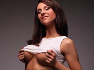 Sexy nude photo of FitnessTina