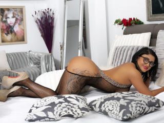 MonikHotLove - Sexy live show with sex cam on sex.cam