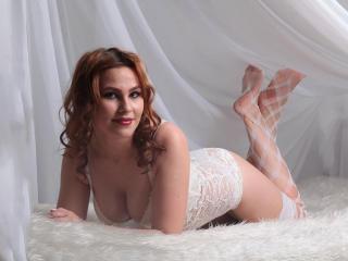 Sexy nude photo of LannyHotDoll