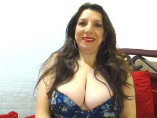 EdnamMature - Webcam live xXx with a trimmed pussy Sexy mother