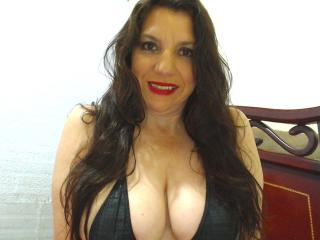 EdnamMature - Webcam live hard with a trimmed genital area Sexy mother