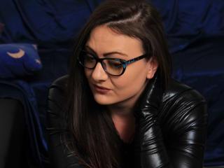 Aimeeaa hot girl masturbating on webcam