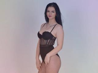 Sexy nude photo of AmelieChaudex