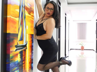 MadamFox - Sexy live show with sex cam on XloveCam®