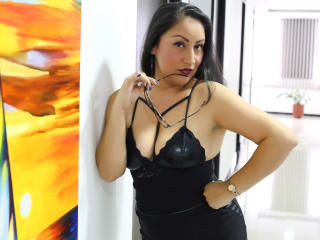 MadamFox - Cam xXx with a cocoa like hair Sexy mother