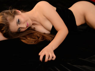 KiraTresore - Sexy live show with sex cam on XloveCam®