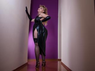LadyMariahX - chat online nude with this golden hair Mature