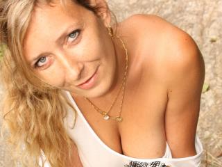 Betina - Sexy live show with sex cam on sex.cam
