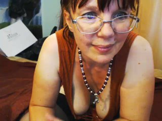 JuicyLady69 - Chat cam x with a red hair MILF