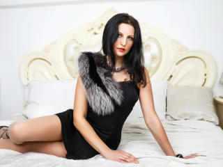 PaolaRizzi - Live cam exciting with a European Sexy lady