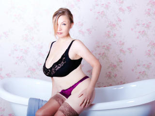 KerryBlare - Sexy live show with sex cam on XloveCam®