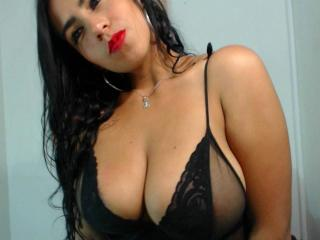 MoniBella - Sexy live show with sex cam on XloveCam®