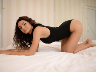 UmmaViolet - Sexy live show with sex cam on XloveCam®