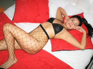 MadelineHot - Sexy live show with sex cam on XloveCam®