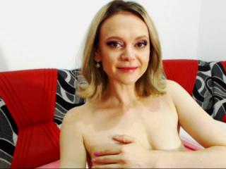 NastyHotEyes - Webcam live hot with this fair hair Mature