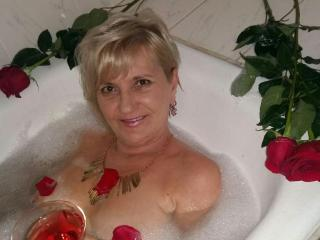 ExperiencedAlana - online show porn with a gold hair Lady over 35