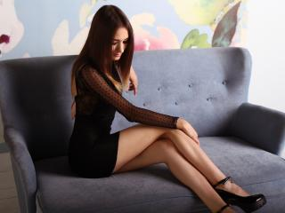 BriannaArt - online show sexy with this White Young lady