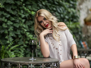 AdoredCassie - Sexy live show with sex cam on XloveCam®
