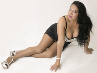 NaelaFox - Show sexy et webcam hard sex en direct sur XloveCam®