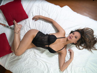 EvaMilers - Show live exciting with a hot body Girl