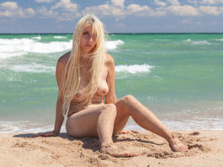 ShakiraAngelX - Sexy live show with sex cam on XloveCam®