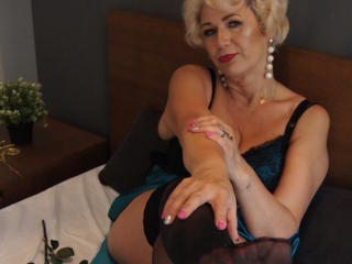 CharmingMiranda - chat online x with a European Mature