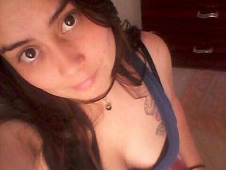 AnittaLover girl dancing live on cam