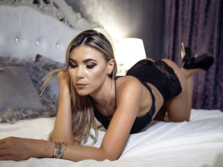 TashaPassion - Webcam live exciting with this Young and sexy lady with standard titties