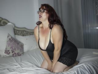 HairySonia - Web cam hot with this redhead Sexy mother