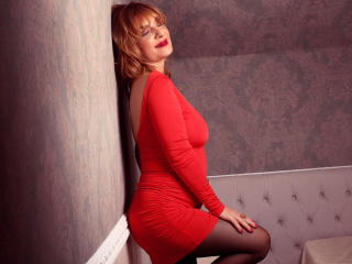 FoxyHotMilfX - Sexy live show with sex cam on XloveCam®