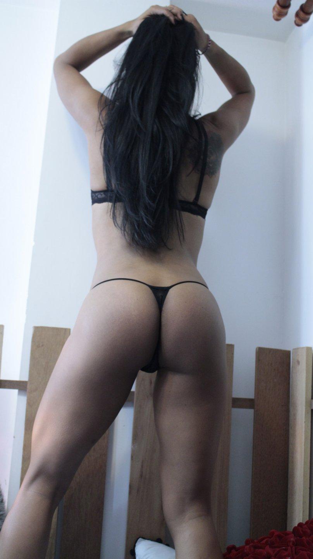 MILF bruneta sex
