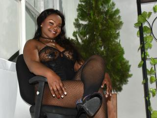 EbonyQueenLatina - Live nude with a gigantic titty Hot babe