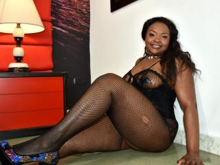 EbonyQueenLatina - Live xXx with this dark hair Young lady