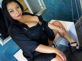 OdettaKissKiss girl exotic on webcam