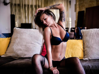 SpicyAlicia - Chat sexy with a shaved intimate parts Hot chicks