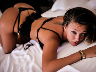 SpicyAlicia - Show hot with a shaved genital area Young lady