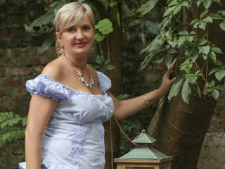 ExperiencedAlana - Chat live xXx with this blond Mature